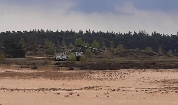 <p>De Chinook die een voorzorgslanding maakte in het Wekeromse Zand</p>