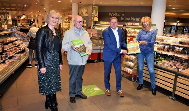 <p>Anja Bakker, Cor Hessink, Merijn Els&auml;cker en Anja Kramer.</p>