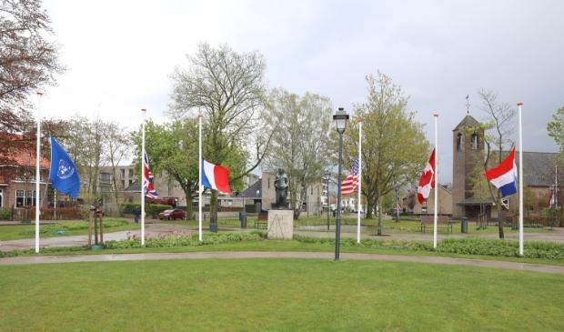 <p>De herdenking in het Van Reenenpark in Nijkerk.&nbsp;</p>