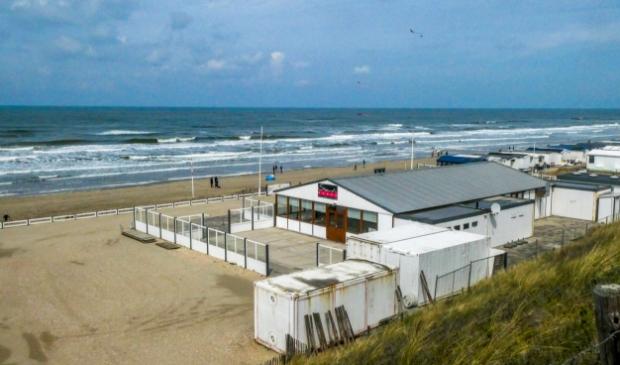 Niet alle strandterrassen waren al gelijk geopend. Bert Westendorp © BDU Media