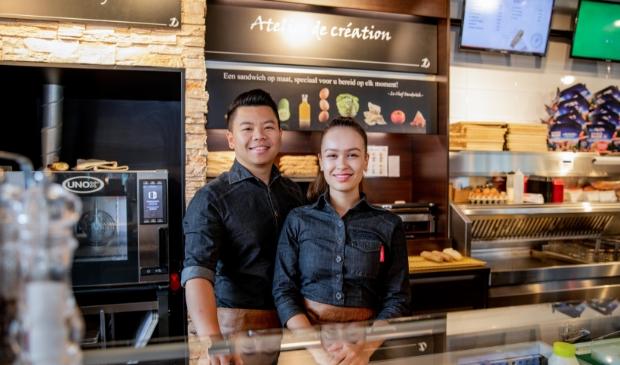 <p>&nbsp;Aan het roer van de cafetaria en broodjeszaak staat het ondernemersechtpaar Cunlong en Abigail.</p>