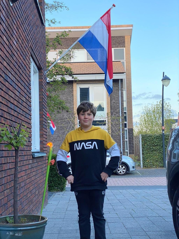 Bryan steekt de fakkel aan voor de vrijheid  Sandy van de Craats © BDU media