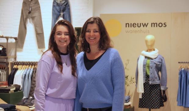 <p>Sanna Botter en Anita Groenendijk openden het duurzame warenhuis Nieuw Mos.&nbsp;</p>