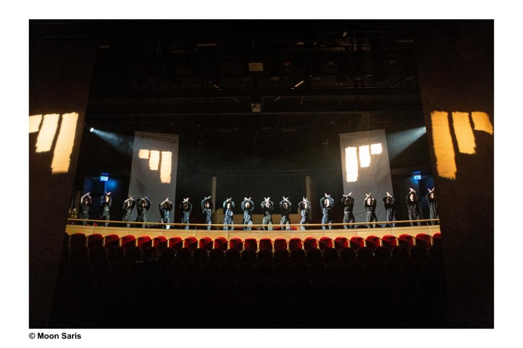 Voorbereidingen voor de opnames van de film Firma Dochters & Zonen. Moon Saris © BDU media