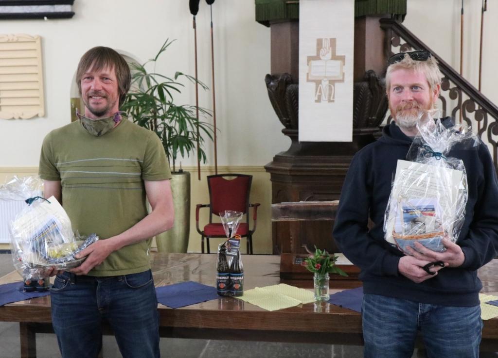 Winnaar Rijerse (l) en winnaar Magee van de kinderprijs. Wijnand Burger © BDU media