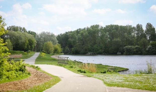 <p>De Houtrak moet samen met de Brettenzone en de Tuinen van West een aantrekkelijk ontvangstgebied worden voor Spaarnwoude Park.</p>