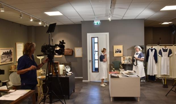 <p>In het museum werden deze week opnames gemaakt over de tentoonstelling Naar De Dokter.</p>