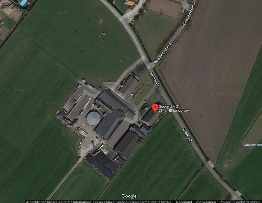 <p>De gemeente wil deze agrari&euml;r in Langbroek toestaan om een boerenwindmolen van 26 meter hoog op zijn erf te plaatsen</p>