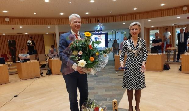 Wethouder Hans Huijsmans met burgemeester Iris Meerts