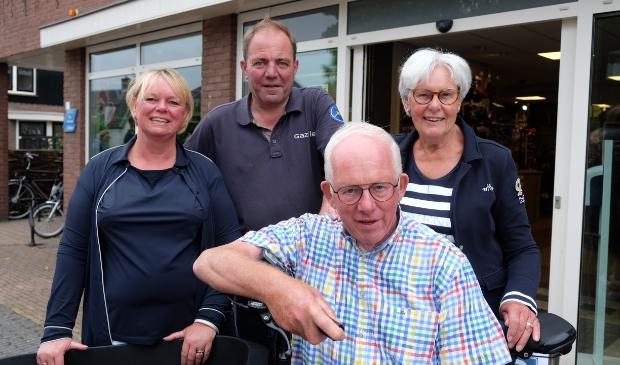 vlnr: Angelique en Bob Feld - van den Berg, Jaap en Janny van den Berg