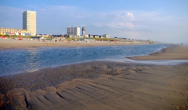 <p>Zandvoort wordt nu het weer warmer wordt, geteisterd door &#39;reljeugd&#39; uit Amsterdam en omstreken.</p>