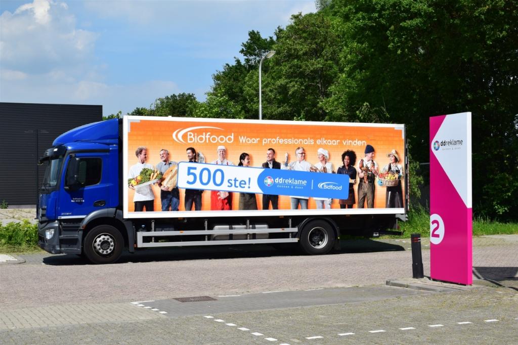 500ste vrachtwagen van Bidfood met folie ingepakt Jeffrey Weber © BDU media