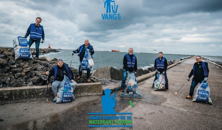 Sportvissers gaan vuil opruimen op de Zuidpier van IJmuiden
