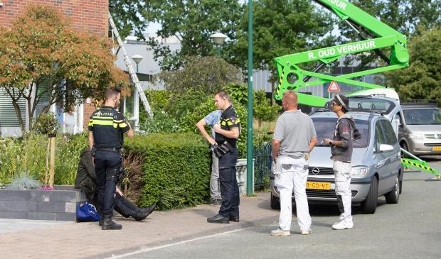 <p>Nadat de vrouw op het droge was geholpen door schilders, werd ze door de politie naar huis gebracht.</p>