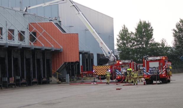 De brandweer rukte vrijdagmiddag groots uit voor een brand aan de Lumierestraat.
