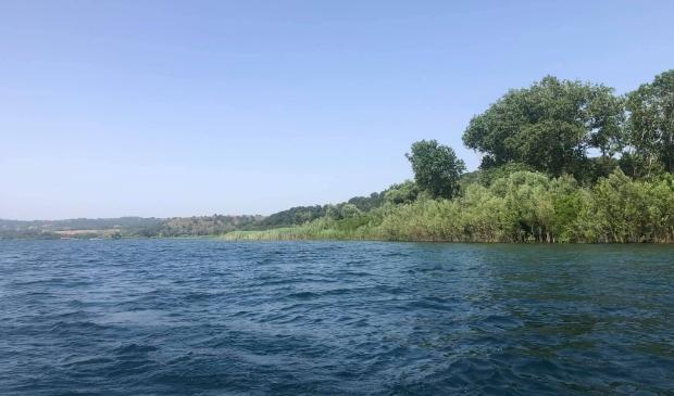 <p>Op het rond het meer van Bracciano wordt met man en macht gezocht naar de vermiste Samu&euml;l Boujadi.&nbsp;</p>
