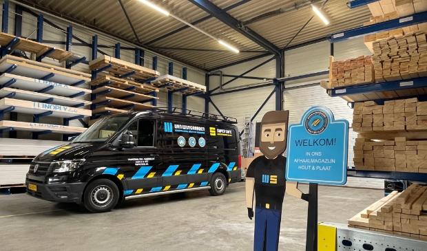 <p>Van Wijngaarden Groothandel B.V. en Super Safe Bedrijfskleding B.V. zit aan de Trapezium 350 in Sliedrecht.</p>