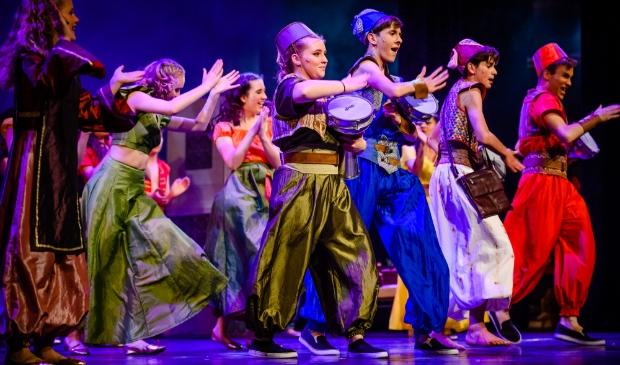 Uitvoering van de musical Aladdin door de Jeugdtheaterschool Haarlemmermeer van Pier K, in Schouwburg de Meerse in Hoofddorp, op 05-07-2019