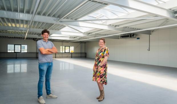 <p>Wout Thomassen en Gerdien Mosterd lanceren Perfor Diamond Drills.</p>