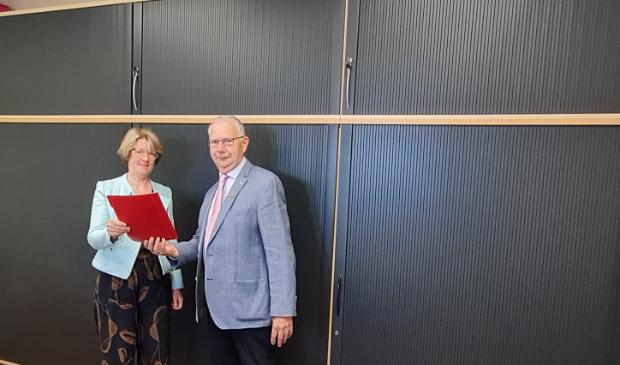 Marie Verheij - PCSO en Evert Wulfsen - Voorzitter Sigma