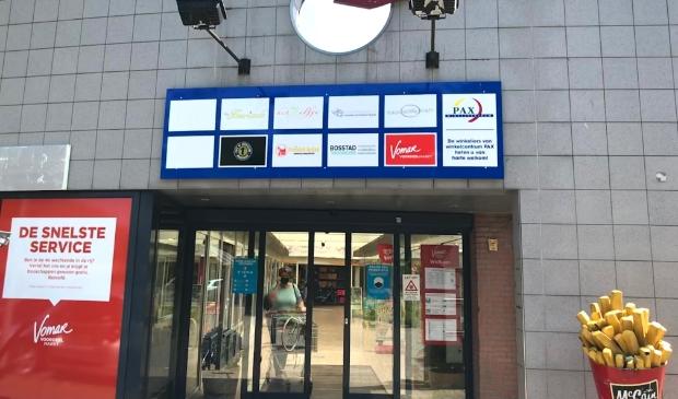 <p>Winkelcentrum Pax: als de plannen doorgaan is er geen snackbar meer in de wijk. .</p>