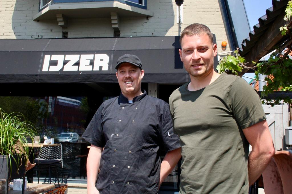 Robert en Marck, de man voor de keuken, kijken uit om weer gasten te ontvangen.