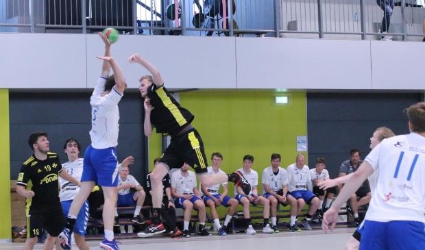 <p>Handbal Houten is kampioen na ruime overwinning op WHC/Hercules</p>