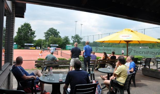 <p>De banen van LTV Lockhorst worden in de week van 23 tot en met 27 augustus bevolkt door deelnemers aan het Open Jeugdtoernooi.&nbsp;</p>