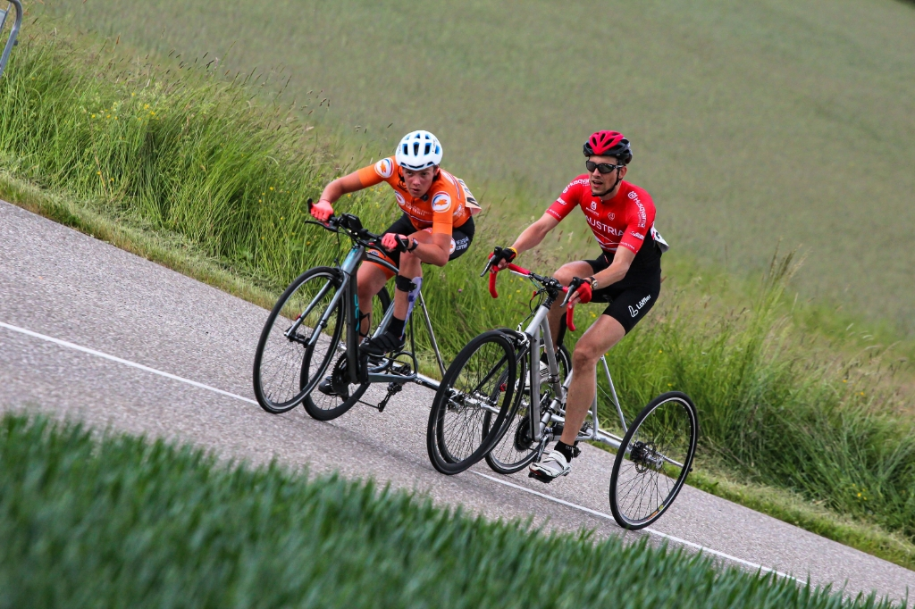 Wegwedstrijd door de heuvels. UEC European Paracycling Championships © BDU Media