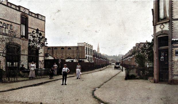 <p>De Verhoevenstraat in 1915.&nbsp;</p>