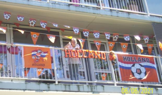 Balkon Oranje versierd