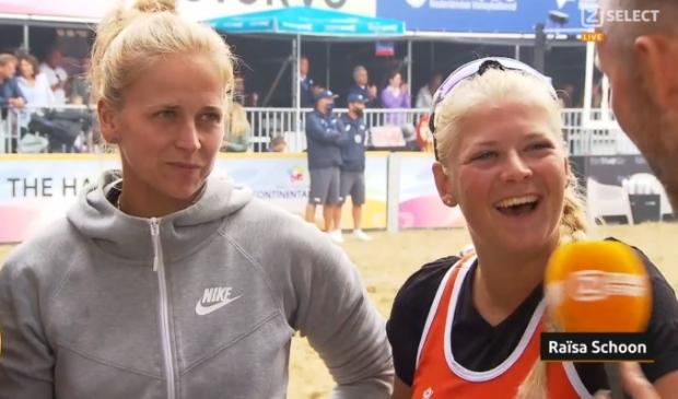 <p>Ra&iuml;sa Schoon (links) wordt direct na de beslissende overwinning voor een ticket naar de Olympische Spelen ge&iuml;nterviewd bij Ziggo Sport.</p>