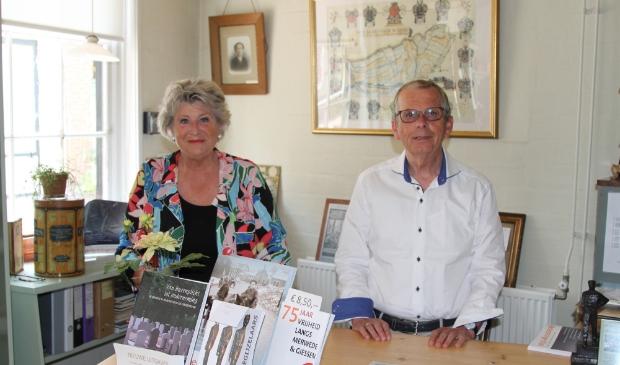 <p>Alie van Lopik-de Jong en Peter van Wijngaarden zoeken vrijwilligers en leden.</p>