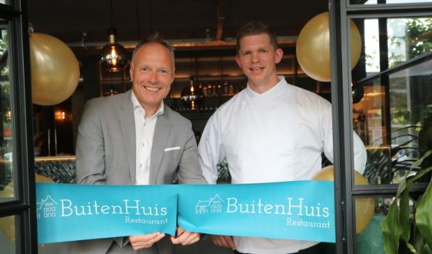 <p>Wethouder Patrick Kiel opende restaurant BuitenHuis van Bart Buitenhuis.</p>