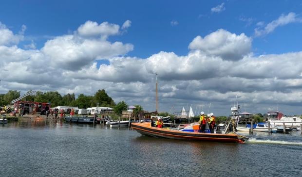 <p>Hulpdiensten bij de haven van vakantiepark RCN Zeewolde.</p>