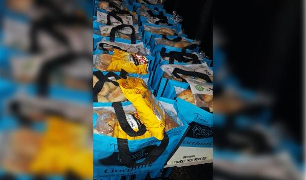 <p>Enkele tassen van Prakkie Hoofddorp staan klaar om opgehaald te worden. .&nbsp;</p>