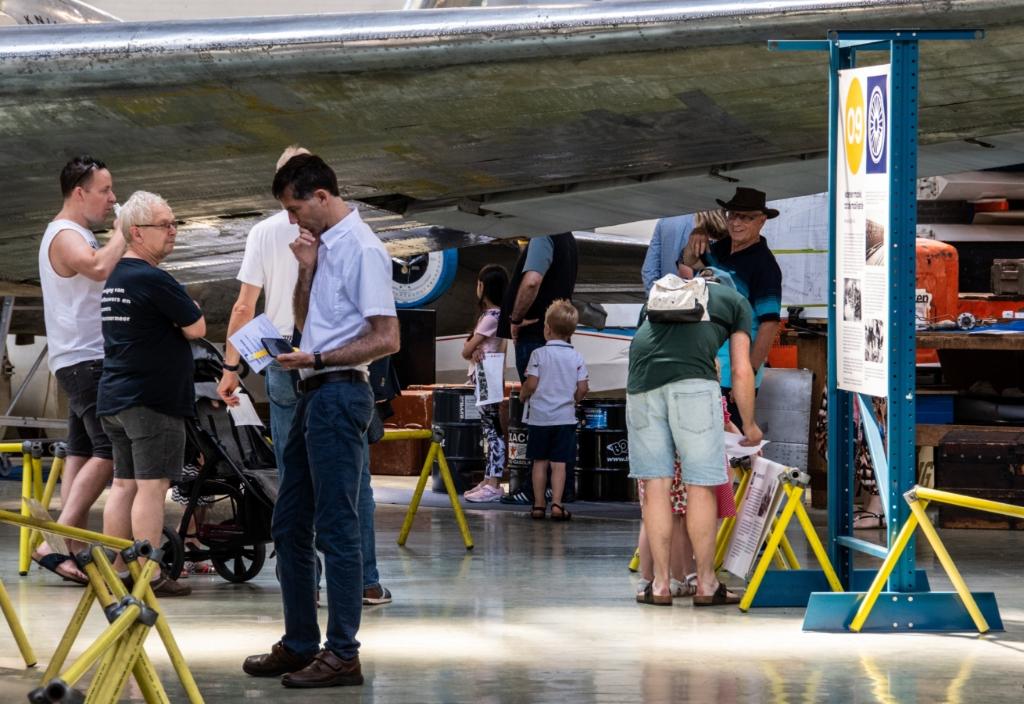 Onder de vleugel van een DC2. GERTJAN VAN MIDDEN © BDU media