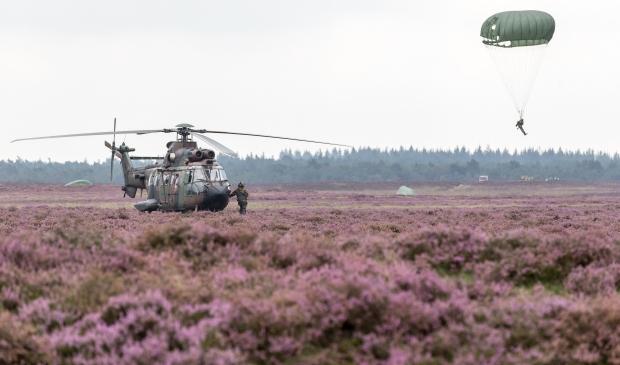 <p>Airborne-landing</p>