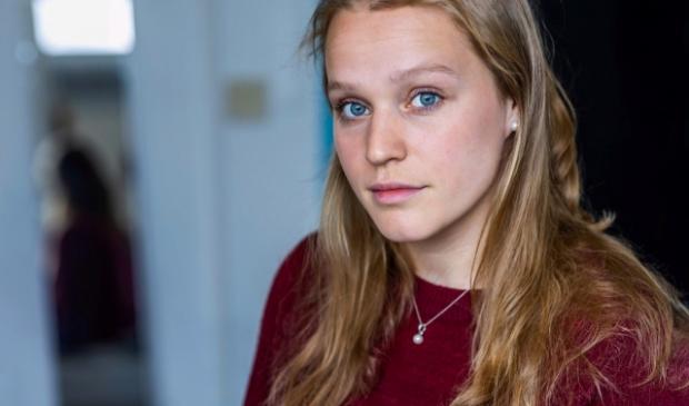 Daniëlle van der Sluis (23) startte een crowdfunding voor een hulphond. Zo'n hond kan haar ondersteunen in het herstel van haar eetstoornis en angststoornissen.