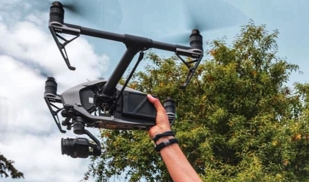 <p>Met een drone kunnen beelden in de lucht worden gemaakt.</p>