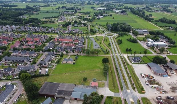 <p>Een klein gedeelte van Putten vanuit de lucht, links de woonwijk Bijsteren.</p>