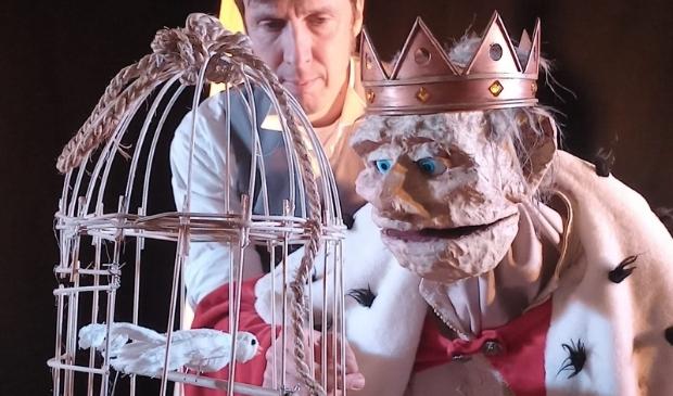 <p>Remco Rassen brengt koning Craquel&eacute; tot leven.</p>