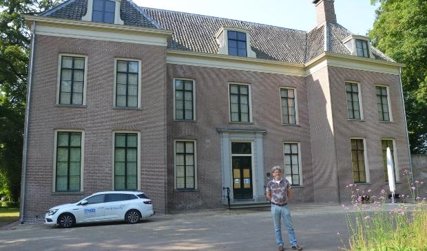 Hans van den Berg voor Oud-Amelisweerd