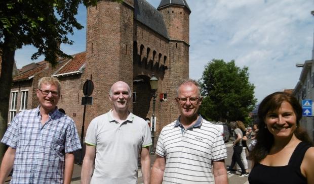 <p>Docenten voor de Kamperbinnenpoort: Eric Ivens ,Bart Mutsaers, Wim van der Mark en Elizabeth Stanley.&nbsp;</p>
