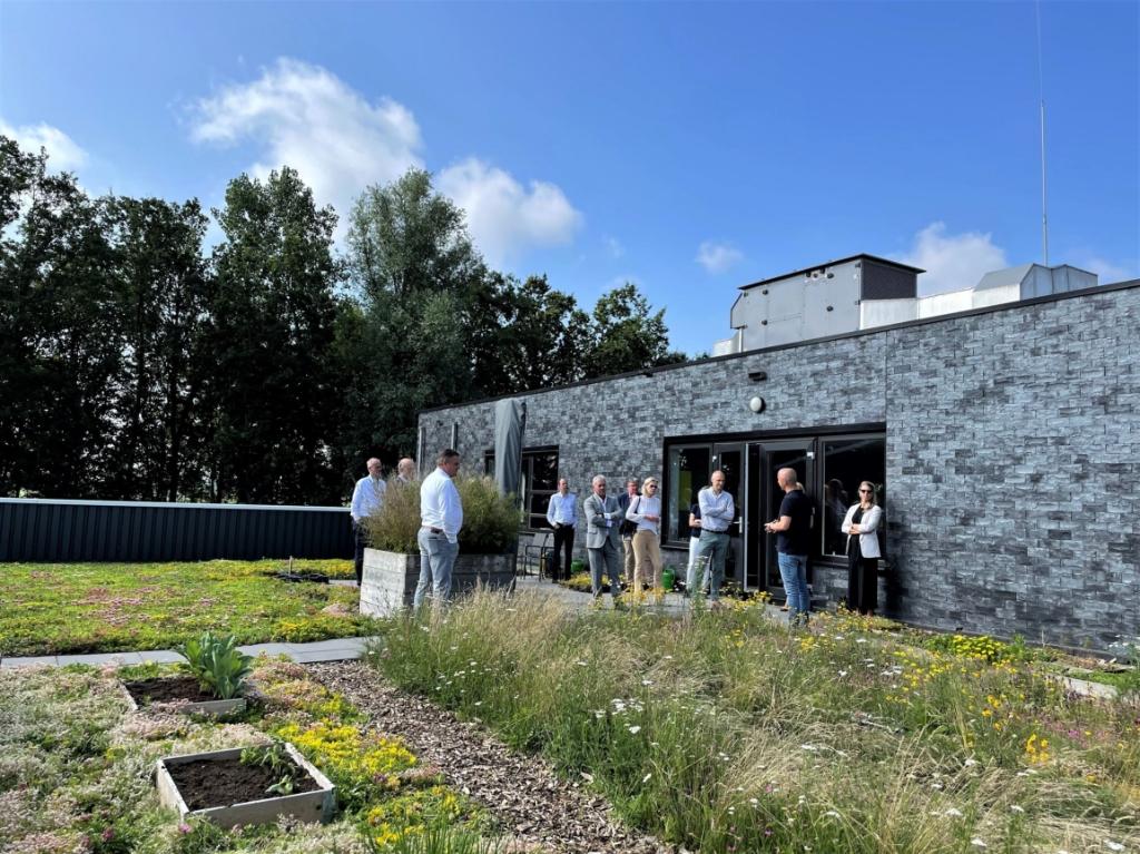 Rondleiding op dak Sempergreen Green Business Club Bunnik © BDU media