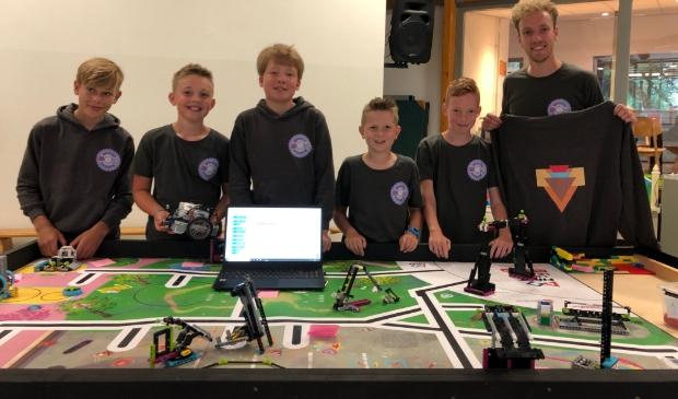 Leerlingen die meedoen met de programmeerwedstrijd