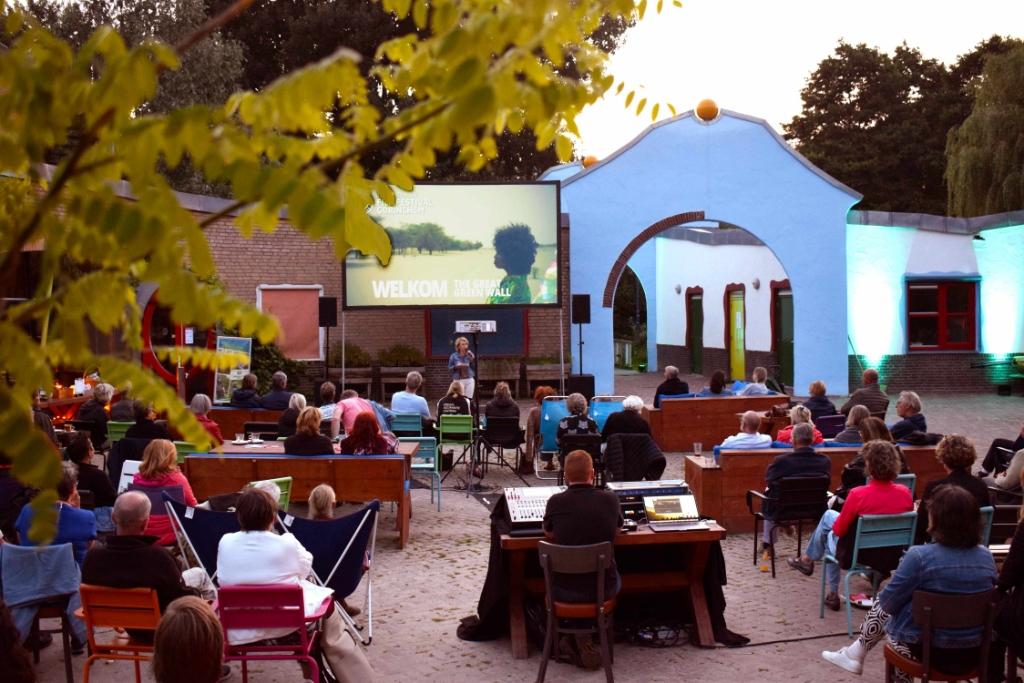 Het Internationaal Film Festival Gorinchem (IFFG) streek neer op het Natuurcentrum in het Gijs van Andelpark.<br><br> Mika de Vrij © BDU Media