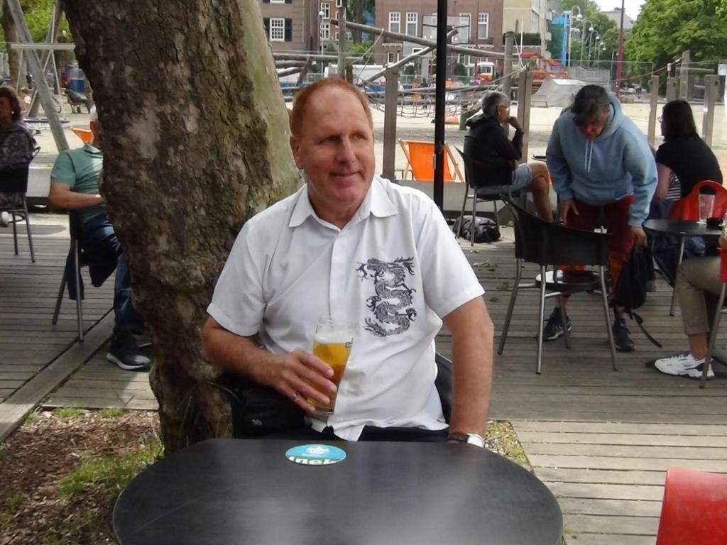 ´Deze foto is gemaakt op het terras van Café/Restaurant CoBrA op het Museumplein in Amsterdam.´ Hans van Tamelen  © BDU media