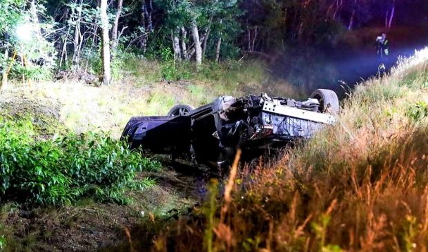 <p>De auto sloeg volgens getuigen diverse keren over de kop</p>