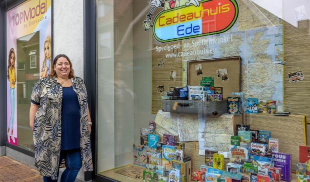 <p>Paula Cornelissen van het Cadeauhuis in Ede en Wageningen is er helemaal klaar voor.</p>